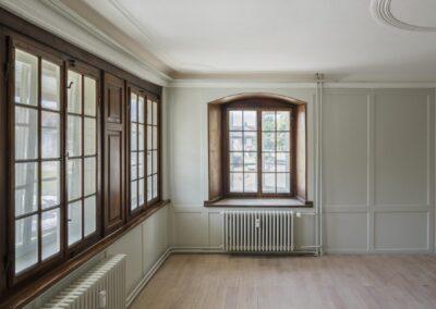 Restaurierte und neue Holzfenster